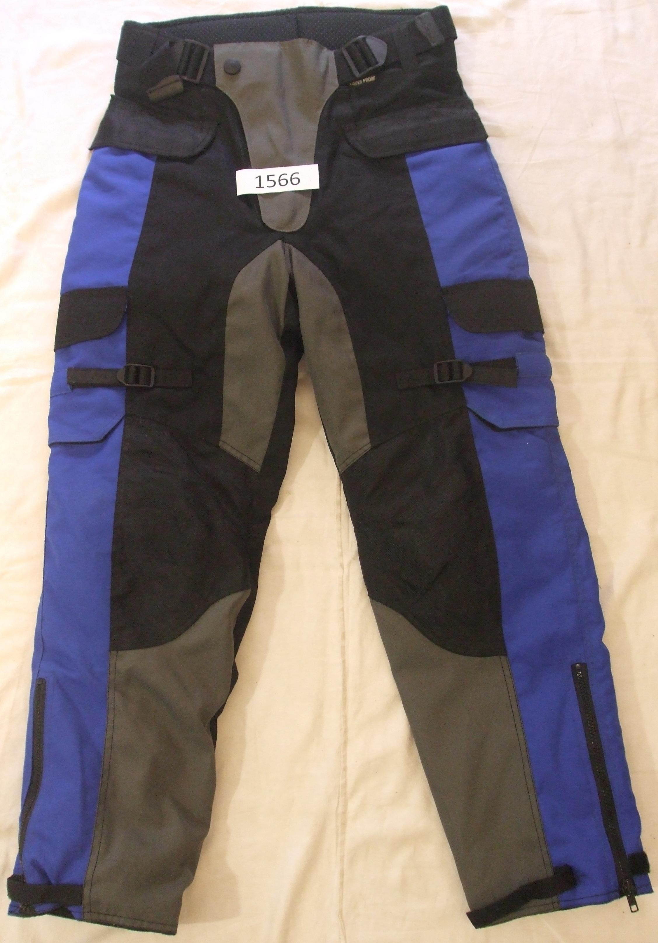 ac13da8cb738 Moto textilné nohavice veľ.14